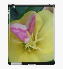 Butterfly on Flower iPad Case/Skin