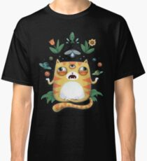 The All Knowing Cat Classic T-Shirt