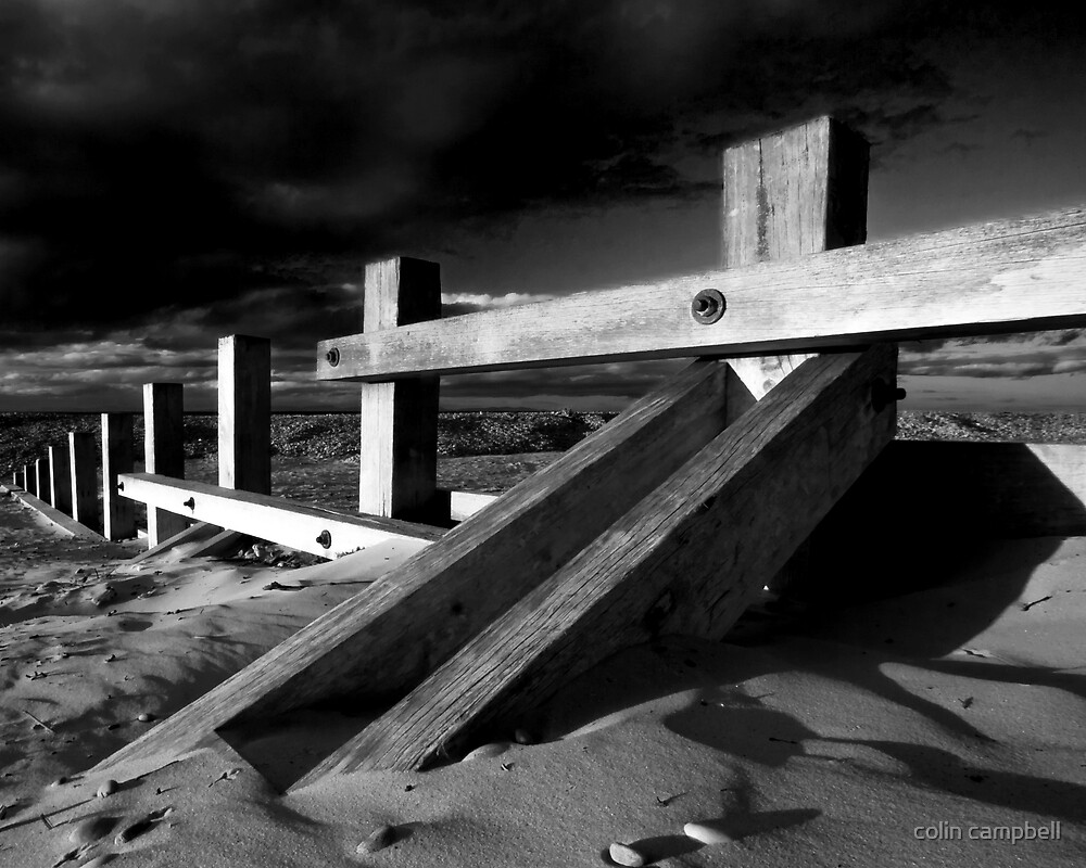 Findhorn B+W II by colin campbell