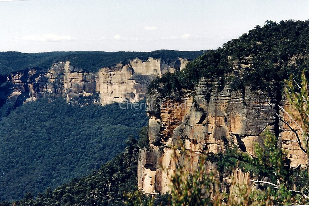 Blue Mountains 2 by Cheryl  Lunde