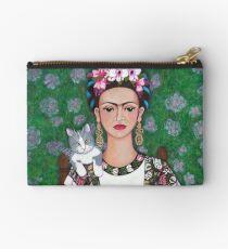 Frida cat lover Studio Clutch