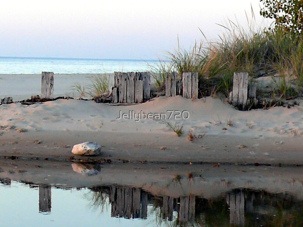 Reflection on the Sand by Jellybean720