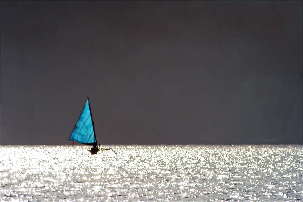 sailing boat in the sun by Peter  Middleton
