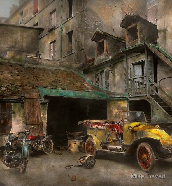 Car - Cour, Rue de Valencemm France - A Sunday afternoon - 1925 by Michael Savad