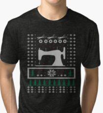 Sewing - Ugly Christmas Sweater - Hässlicher Weihnachtspullover - Geschenk Tri-blend T-Shirt