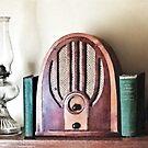 Vintage 1930s Radio by Susan Savad