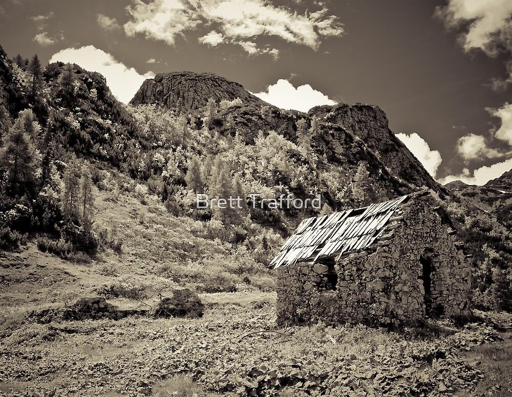 Alpine barn by Brett Trafford