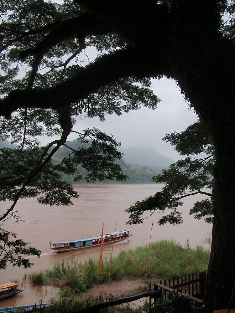 The Mekong, Luang Prabang by liqwidrok