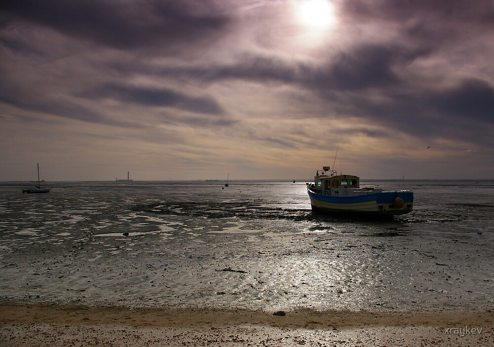 Southend boat by xraykev