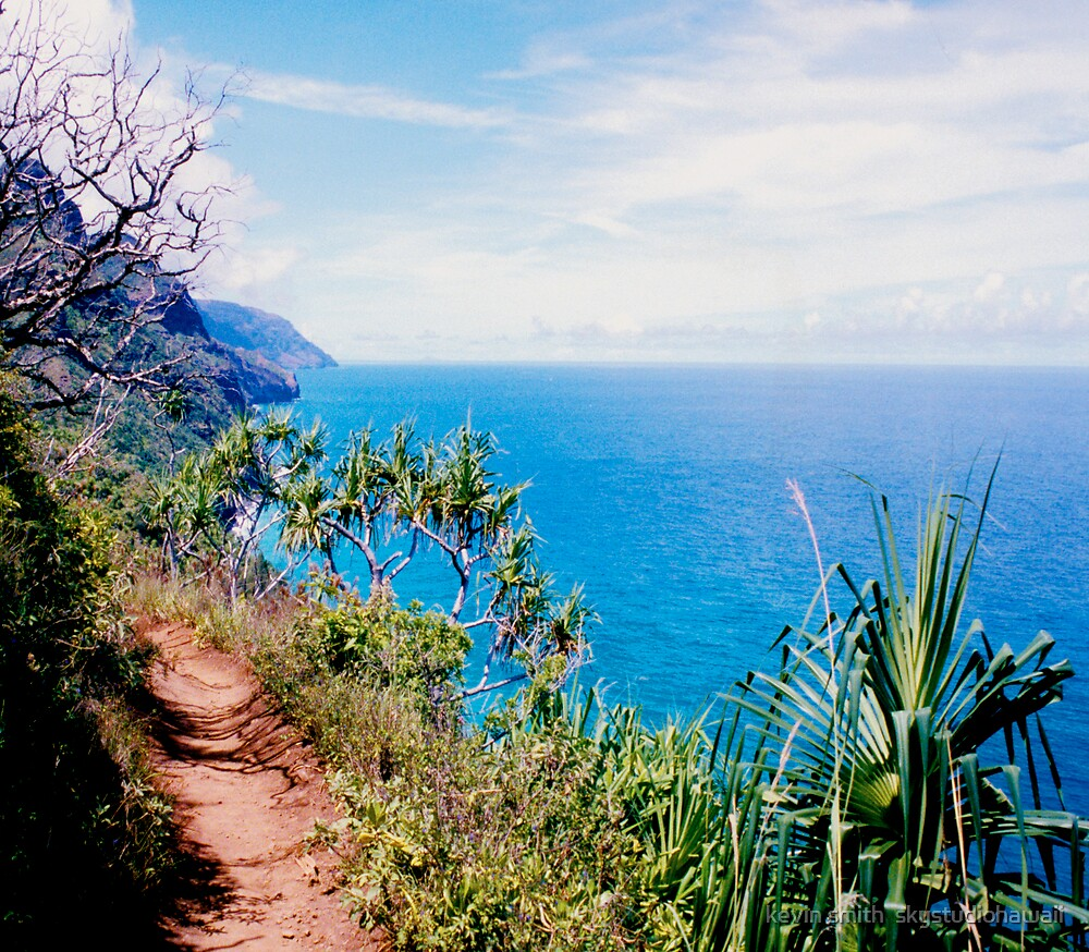Na Pali Trail by kevin smith  skystudiohawaii