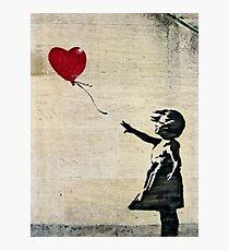 Banksys Mädchen mit einem roten Ballon III Fotodruck