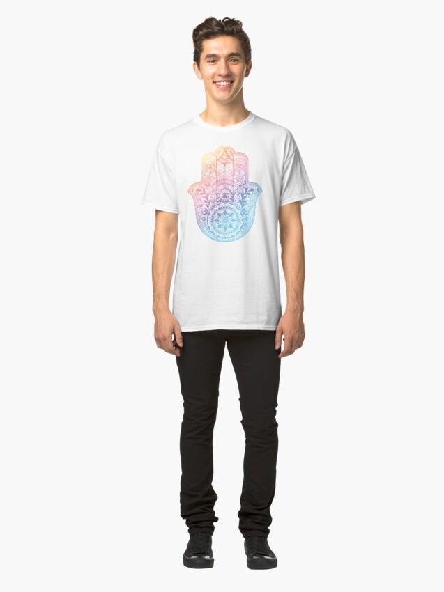 Alternative Ansicht von Regenbogen Hamsa Classic T-Shirt