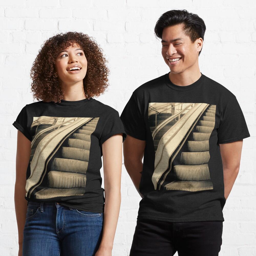 Escaleras Classic T-Shirt