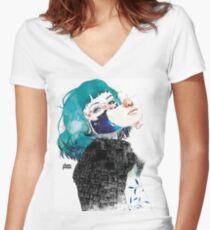 Si me callas by elenagarnu Camiseta entallada de cuello en V