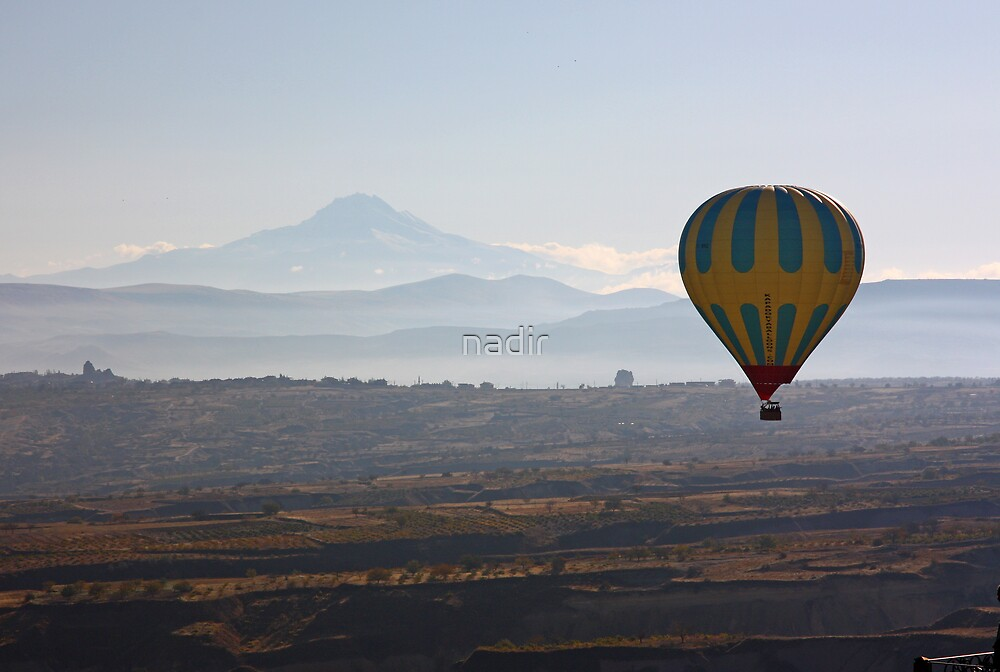 Erciyes Mountain and baloon by nadir
