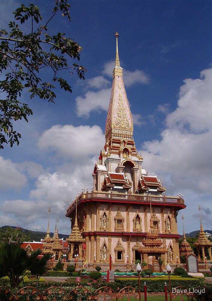 Wat Chalong by Dave Lloyd