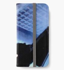 "Sigourney Weaver. In the movie ""Aliens""  iPhone Wallet/Case/Skin"