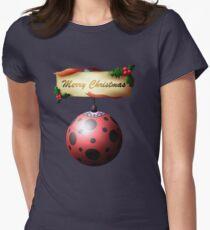 ML Weihnachtskugeln: Marinette / Marienkäfer Tailliertes T-Shirt