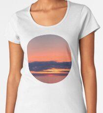 Beyond the horizon Women's Premium T-Shirt