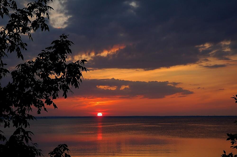 Green Bay Sunset by kentuckyblueman
