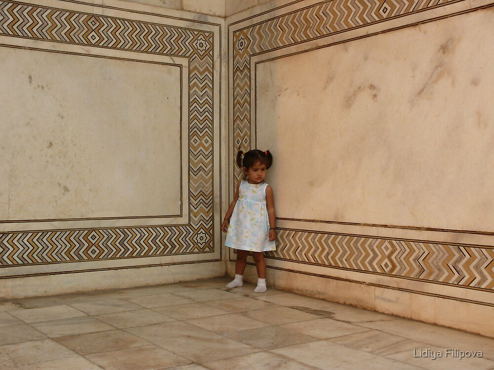 Little Girl, Taj Mahal by Lidiya