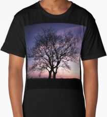 Two Trees embracing Long T-Shirt
