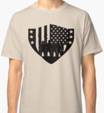 U.S. Army Soldiers and Flag Silhoutte Classic T-Shirt