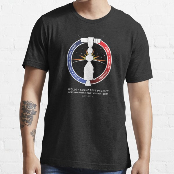 APOLLO-SOYUZ TEST PROJECT Essential T-Shirt