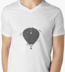 Hot air balloon at night Camiseta para hombre de cuello en v