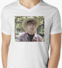 Puffy Jungkook in Hawaii Men's V-Neck T-Shirt