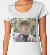 Puffy Jungkook in Hawaii Women's Premium T-Shirt