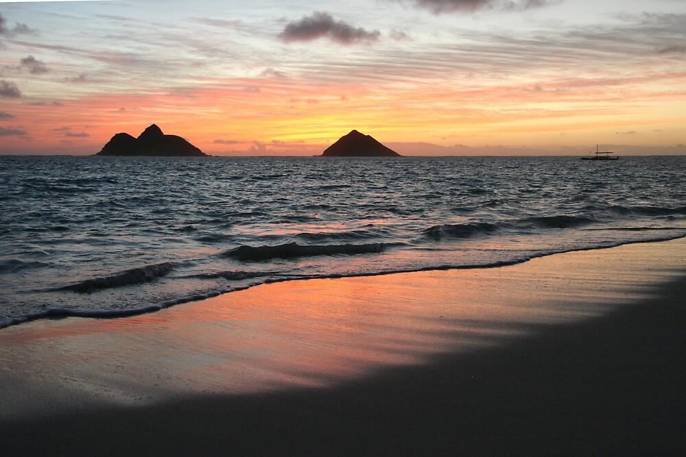 Mokulua Sunrise by noffi