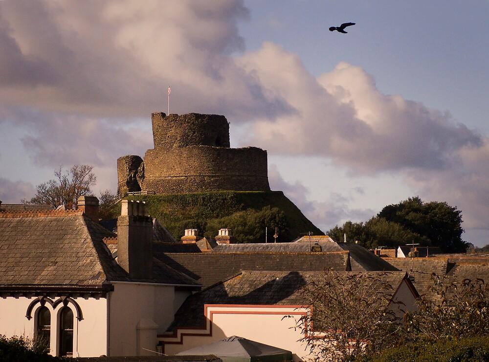 Launceston Castle by daveoh