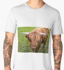 Highland cow on the island of skye Men's Premium T-Shirt