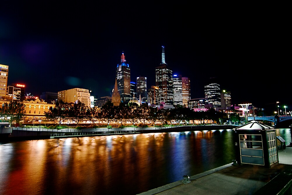 Melbourne city by night by ielchan