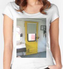 doorway Women's Fitted Scoop T-Shirt