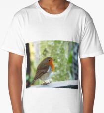 Robin on a fence Long T-Shirt