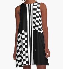 Stilvolle Schwarz-Weiß-Karo und Streifen A-Linien Kleid