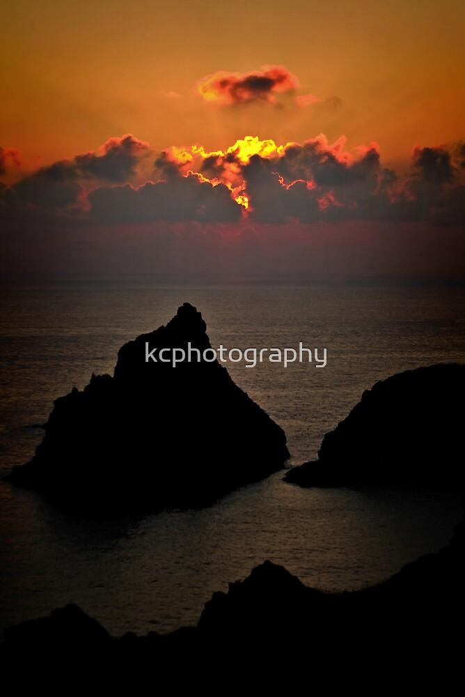 Kynance Sunset by kcphotography