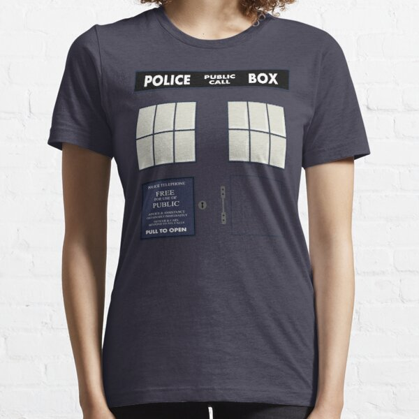 Classic Tardis Door Essential T-Shirt