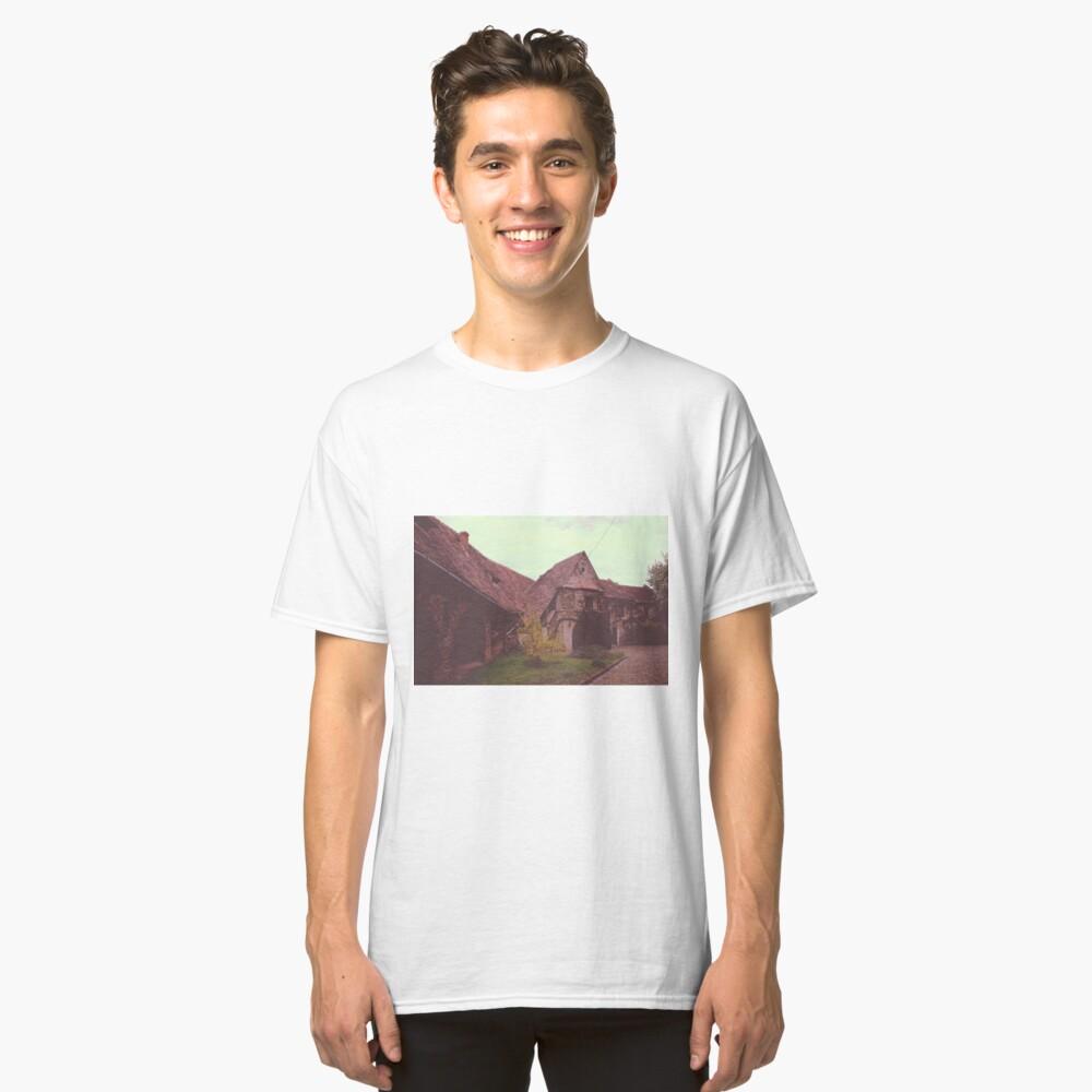 Church castle Camiseta clásica
