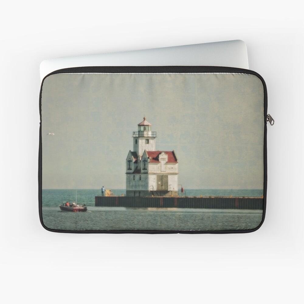 Lighthouse - Manitowoc, WI Laptop Sleeve