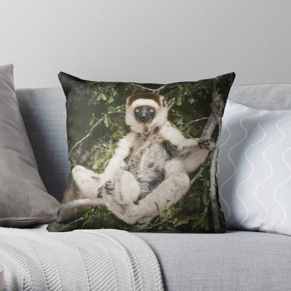 The sifaka will see you now Throw Pillow
