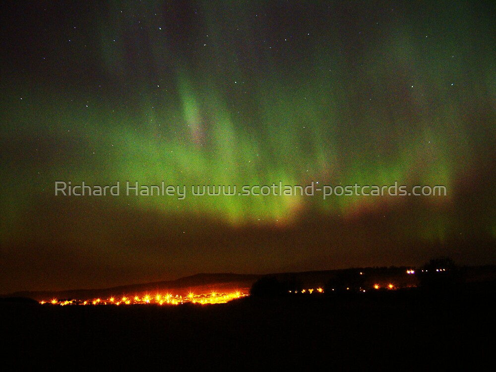 Northern Lights 8 by Richard Hanley www.scotland-postcards.com