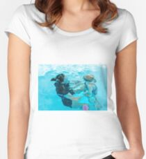 mother and daughter swim together underwater in a swimming pool Women's Fitted Scoop T-Shirt
