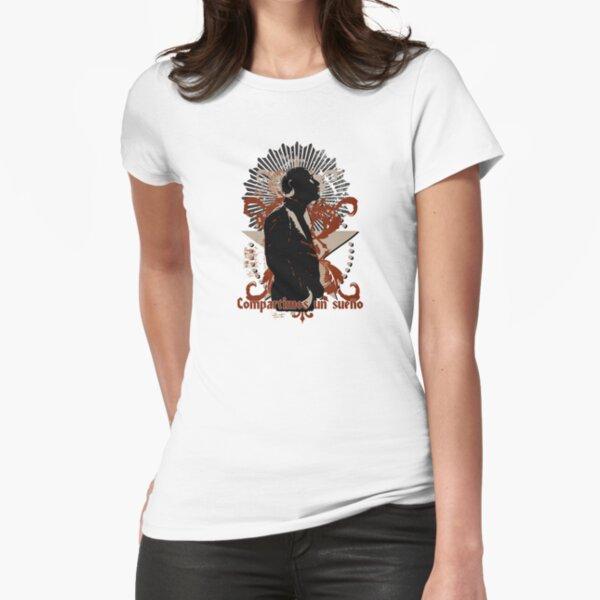 Compartimos un sueño Fitted T-Shirt