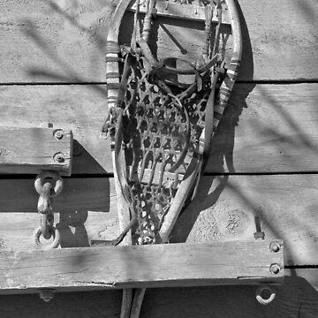 Snowshoe Black & White by srwdesign