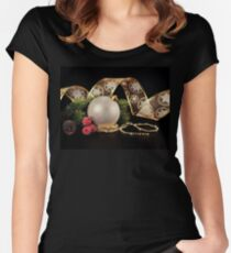 Fa La La Festive Women's Fitted Scoop T-Shirt