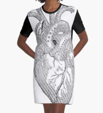 Heart: Antique anatomy view Graphic T-Shirt Dress