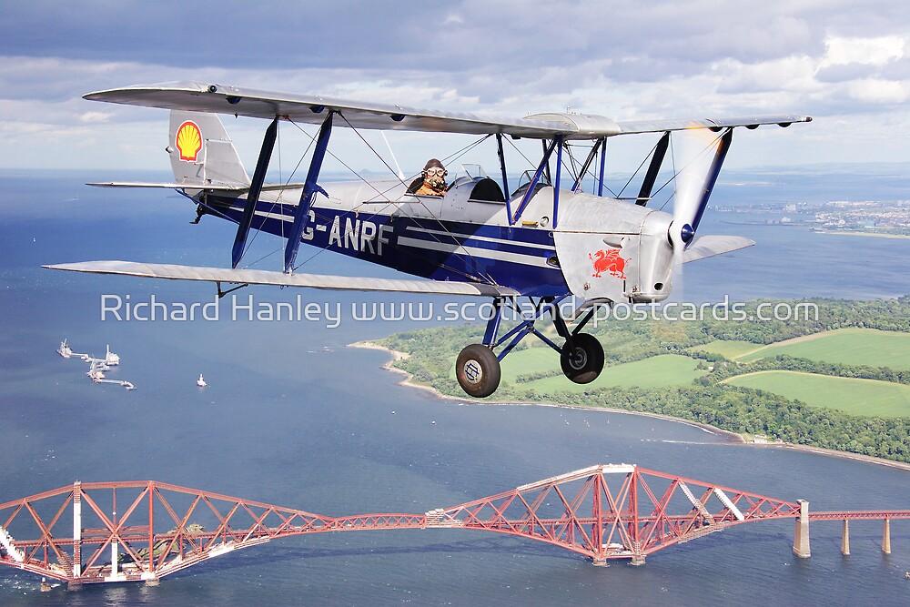 de Havilland Tiger Moth by Richard Hanley www.scotland-postcards.com